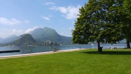 Esplanade du lac d'Annecy - Fête du livre de Talloires