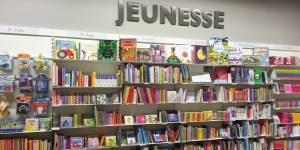 Rayon jeunesse de la librairie d'Annemasse